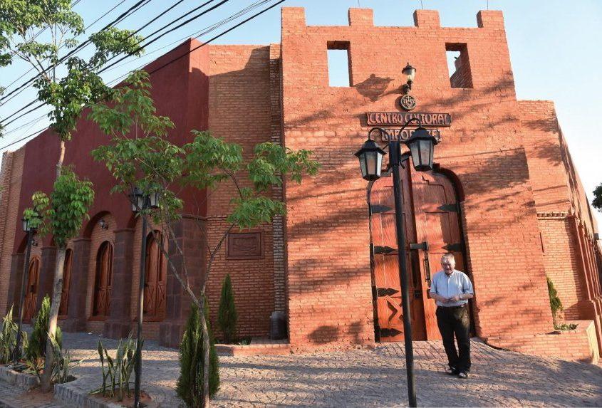 Padre Aldo Trento Centro Cultural Mborore